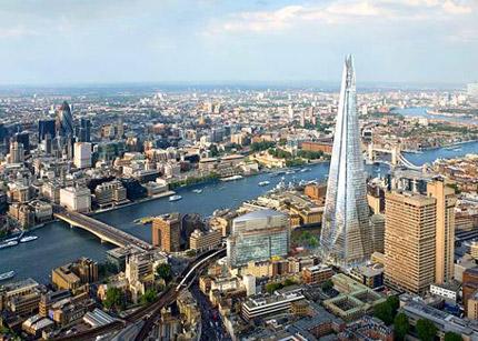 Παρατηρώντας τη ζωή μεταξύ Λονδίνου-Βοστώνης και Αθήνας