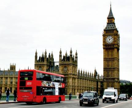 Παρατηρώντας τη ζωή μεταξύ Βοστώνης-Λονδίνου και Αθήνας