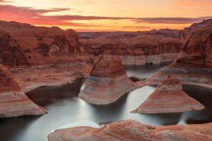 Οι 20 πιο εντυπωσιακές λίμνες του πλανήτη