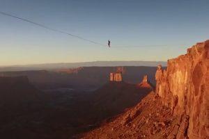 Ακροβατώντας σε τεντωμένο σχοινί στα 120 μέτρα! (VIDEO)