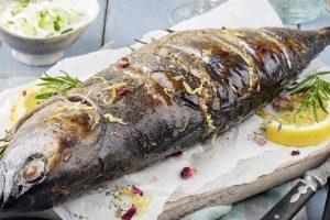 Η καλύτερη σπιτική συνταγή για παλαμίδα σκορδάτη στη γάστρα