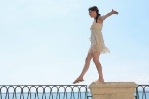 Για να παραμείνεις σε ισορροπία, πρέπει να κινείσαι συνεχώς