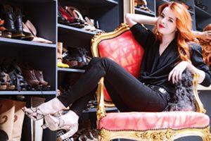 Γυναίκες και παπούτσια: δεν είναι μόδα, είναι λατρεία!