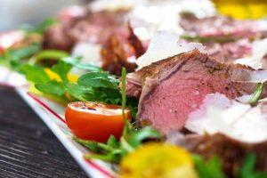 Συνταγή για μοσχαρίσια ταλιάτα με ρόκα και παρμεζάνα