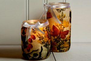 DIY: Πώς να διακοσμήσεις τα δοχεία μαρμελάδας σε ρομαντικά ρεσώ