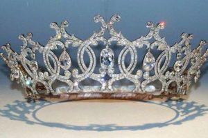 Ποια είναι η ιστορία της κλεμμένης, διαμαντένιας Τιάρας του Πόρτλαντ;