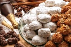 Πόσες θερμίδες έχουν οι παραδοσιακές λιχουδιές των γιορτών: Κουραμπιέδες και μελομακάρονα;