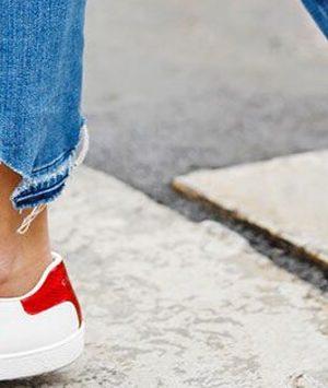 Οι τρόποι για να κάνεις τα λευκά σου sneakers σαν καινούργια!