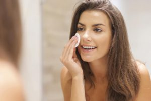 Ποιες είναι οι συνήθειες των γυναικών που έχουν τέλεια επιδερμίδα; Να 9 tips ομορφιάς!