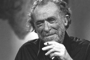 15 αποφθέγματα του Charles Bukowski για να αναπτύξετε ψυχική ανθεκτικότητα.