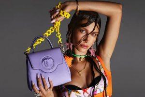 Οι νέες τσάντες του Versace σε εκτυφλωτικά χρώματα, είναι τόσο εντυπωσιακές που τις θέλεις όλες!