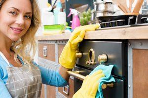 Ο πιο ξεκούραστος τρόπος για να καθαρίζετε τον φούρνο σας!